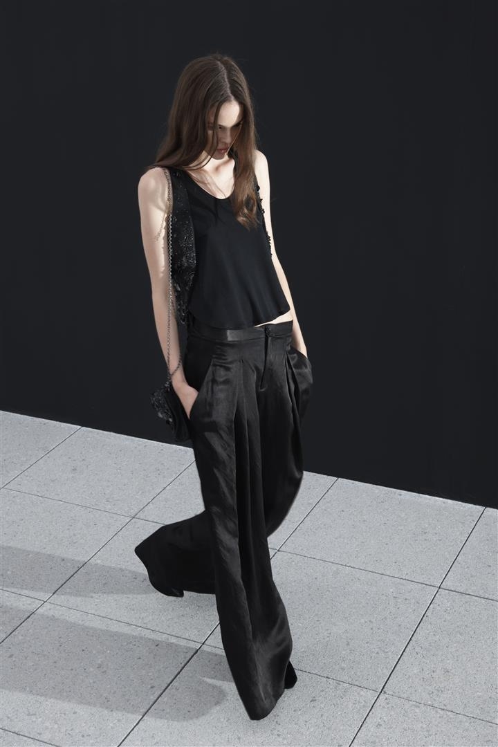 A model wearing Theyskens' Theory
