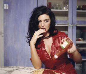 Breakfast with Monica Bellucci. November 1995, Paris. Copyright Bettina Rheims